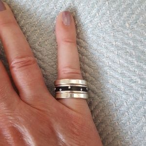 Set of 3 silver rings